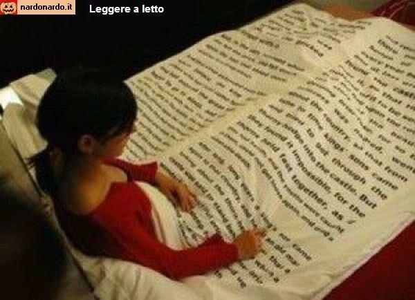 Leggere a letto una coperta per gli amanti della lettura - Sostegno per leggere a letto ...
